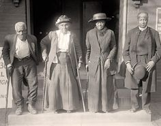 Slaves Reunion. Lewis Martin, Age 100; Martha Elizabeth Banks, Age 104; Amy Ware, Age 103; Reverend S.P. Drew, Born Free. - 1917 by Harris & Ewing.
