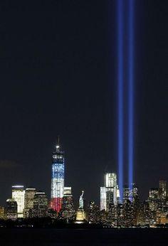 闇に延びる追悼の光 米中枢同時テロから11年 - MSN産経フォト