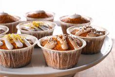 Rahkamuffinit ✦ Mehevät rahkamuffinit syntyvät nopeasti ja ne on helppo koristella tilanteeseen sopiviksi. Muffinit voi hyvin myös pakastaa. http://www.valio.fi/reseptit/rahkamuffinit/
