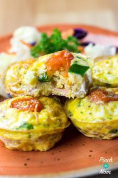 If you're like us and find Slimming World breakfasts can start to get a bit boring, then these Syn Free Cous Cous Breakfast Cups are a bit different. Slimming World Taster Ideas, Slimming World Recipes, Clean Eating Recipes, Cooking Recipes, Healthy Recipes, Healthy Meals, Healthy Eating, Breakfast Cups, Breakfast Recipes