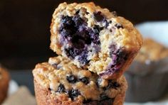 soft and tender blueberry oat Greek yogurt muffins are made with NO butter or oil! Naturally sweetened and delicious!These soft and tender blueberry oat Greek yogurt muffins are made with NO butter or oil! Naturally sweetened and delicious! Blueberry Oat Muffins, Blue Berry Muffins, Blueberries Muffins, Oat Flour Muffins, Oatmeal Blueberry Muffins Healthy, Banana Oat Cookies, Healthy Treats, Healthy Desserts, Healthy Breakfasts