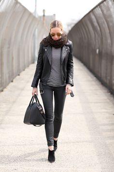 New York Uniform - Brooklyn Blonde