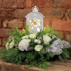 Silver Ornaments, Christmas Centerpieces, Carnations, Pine Cones, White Roses, White Christmas, Reindeer, Lanterns, Forget
