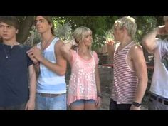 Omg this video is so funny ross is the funniest.