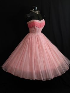 "Retro 50s Dresses | Ooh! Mrs James Vintage Vortex~The Ultimate in 50s Vintage Prom Dresses ... - the 50s version of ""Pretty in Pink"""
