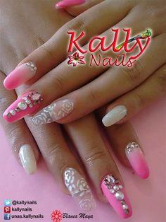 Uñas Kally Nails Cuernavaca Morelos, la Belleza en tus manos, Aplicación y decoración de uñas.