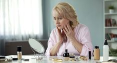 Makeup Artist Tips, Eyebrow Makeup Tips, Beauty Makeup Tips, Skin Makeup, Makeup Tips For Older Women, Best Concealer, Roche Posay, Dark Under Eye, Anti Ride