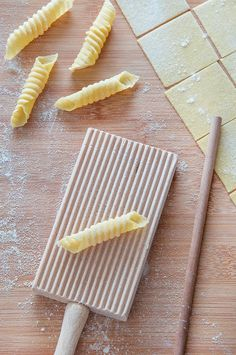 Homemade Garganelli {Step By Step With Pictures} - Italian Recipe Book - Homemade Garganelli {Step By Step Recipe} - recipes pasta Italian Recipe Book, Italian Recipes, Tortellini, Penne Pasta, Pasta Carbonara, Pasta Noodles, Shrimp Pasta, Chicken Pasta, Pasta Salad