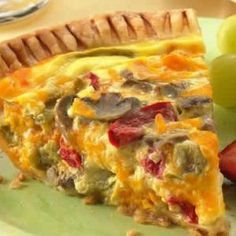pillsbury bell pepper, mushroom, and cheddar cheese quiche. i even liked this veggie filled dish! Bisquick Quiche Recipe, Quiche Recipes, Breakfast Quiche, Breakfast Recipes, Cheese Quiche, Cheddar Cheese, Bacon Quiche, Grated Cheese, Vegetable Quiche