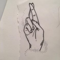 Fingers crossed available ✍ #tattooapprentice #tattoodesign #fingerscrossed #blackwork #linework #dotwork #paris
