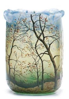 LEGRAS Vase ovoïde à pans coupés et col polylobé et étiré à chaud vendu 1200€