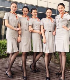 Airline Uniforms, Promotional Model, Ideal Beauty, Uniform Design, Pantyhose Legs, Cabin Crew, How To Pose, Sexy Stockings, Flight Attendant