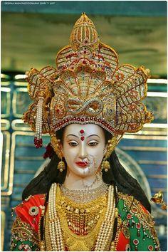 Worshiping the Goddess helps to improve health & keeps the evil effects away. Lord Durga, Durga Ji, Lord Shiva, Maa Durga Photo, Maa Durga Image, Hanuman Images, Durga Images, Kali Goddess, Goddess Art
