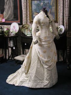 1880's Champagne Peach Silk Exotic Floral Bustle Gown   eBay