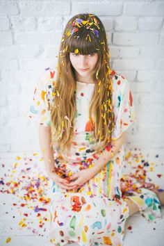 cake with edible flowers Edible Flowers Cake, Confetti Photos, Mabel Pines, Girls Rules, Watercolor Wedding, Colorful Fashion, Marie, Eye Candy, Fashion Photography