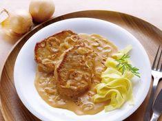 Schweinesteak mit Zwiebel-Sahne-Sauce ist ein Rezept mit frischen Zutaten aus der Kategorie Kochen. Probieren Sie dieses und weitere Rezepte von EAT SMARTER!