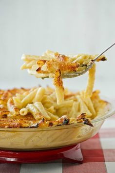 Beautiful Macaroni and Cheese with Truffle Oil #SundaySupper by @cristinaferrare