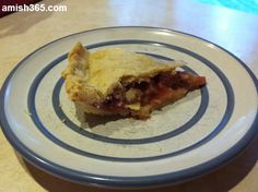 Amish Strawberry-Rhubarb Pie - Amish Recipes Oasis Newsfeatures