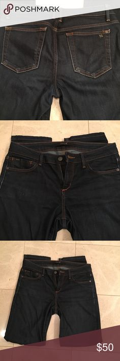 """Joe's Jeans dark denim cigarette jeans size 27 These Joe's jeans are adorable.  Cigarette style and only worn a few times.  There are a few natural fades on them, but are in excellent condition. Size 27 with a 29"""" inseam. Joe's Jeans Jeans Skinny"""