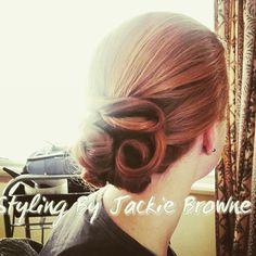 Low bun curl upstyle
