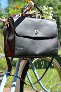 http://www.kaisap.com/2014/06/tory-burch-robinson-satchel.html