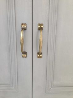 Detail of reclaimed brass handles on an Annie Sloane chalk painted larder and fridge freezer Door Handles, Concrete Worktop Kitchen, Handcrafted Interior, Polished Concrete, Farrow And Ball Paint, Kitchen, Brass Handles, Copper Kitchen, Bespoke Kitchens