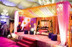 Pakistani weddings are so colourful!