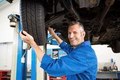 Depuis les années 2000, les professionnels de la mécanique ont pu remarquer que la grande majorité des nouveaux modèles de voitures sont munis de systèmes de surveillance de pression des pneus (SSPP).