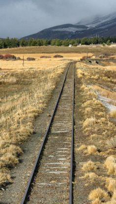La Trochita camino a Esquel, Chubut, Argentina. #nievechubut2013 Patagonia, Peninsula Valdes, Abandoned Train, Train Tracks, Railroad Tracks, Places To See, Beautiful Places, World, Geography