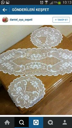 This Pin was discovered by HUZ Crochet Collar Pattern, Crochet Doily Patterns, Crochet Art, Irish Crochet, Crochet Doilies, Crochet Stitches, Free Crochet, Crochet Table Runner, Crochet Tablecloth
