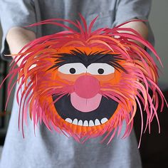 It's that crazy caveman drummer from The Muppet movies! Construction paper and a paper plate is what you'll need for this fun project.