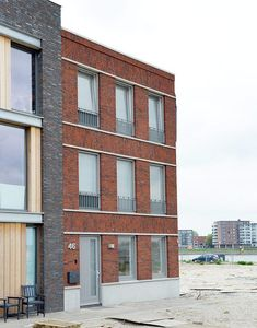 Zelfbouw woning Dordrecht Stadswerven #zelfbouw #architect Multi Story Building, The Hague