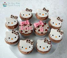 Cupcakes who likes hello kitty click like! Hello Kitty Theme Party, Hello Kitty Themes, Hello Kitty Birthday, Kitty Party, Torta Hello Kitty, Hello Kitty Cupcakes, Yummy Cupcakes, Cupcake Cookies, Fondant Cookies