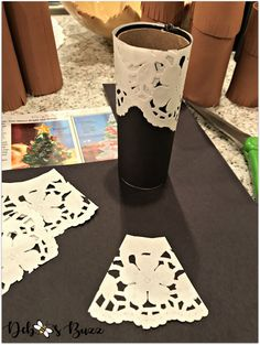 DIY Thanksgiving Table Family Photo Place Cards - Debbee's Buzz