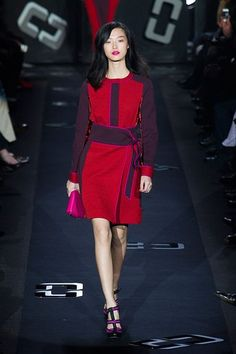 All The Looks: Diane Von Furstenberg's Glamorous 1970s-Inspired Fall Collection   StyleCaster