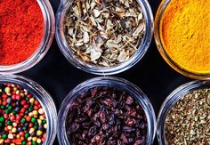 Looking for some creative ways to use all the spices in your cabinet? Turn them into flavor-enhancing, recipe-boosting spice blends. Spice Blends, Spice Mixes, Dry Soup Mix, Soup Mixes, New Recipes, Favorite Recipes, Mediterranean Dishes, Exotic Food, Soups And Stews