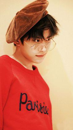 Cưng quá đii... Jackson Yi, Lucky Colour, Chinese Boy, Married Woman, Cute Korean, Handsome Boys, My Youth, Kpop, My Sunshine
