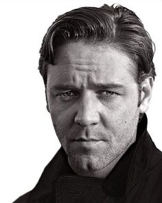 Russell Ira Crowe (born 7 April is a New Zealand born actor, film producer and musician. Beautiful Celebrities, Beautiful Men, Beautiful People, Gladiator Movie, Russell Crowe, Australian Actors, Movie Magazine, People Of Interest, Richard Avedon