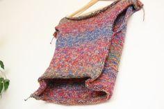 49 € direkt von designerin. handmade pulli, passend für kleidergröße 34 - 36. schurwolle mit merinoanteil. http://annamastalerz.de.com/produkt/designer-handmade-pullover-blue-revolution/