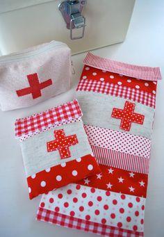 mamas kram: Första Hjälpen - First Aid