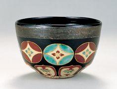 「色絵七宝繋文茶碗」野々村仁清 江戸時代 17世紀後半 サントリー美術館