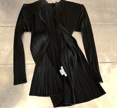 Issey Miyake pleats please jacket, Vintage Issey miyake pattern top, Authentic Issey Miyake pleated geometric top, Issey miyake black jacket by NUKOBRANDS on Etsy https://www.etsy.com/listing/516205068/issey-miyake-pleats-please-jacket