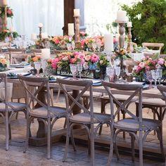 #tablescape Lovely #ashleygain wedding. #flowerstudio #revelryeventdesign #latavolalinen #casadeperrin