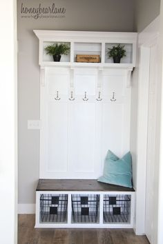 DIY mudroom or entryway bench. I wish I had space for this.