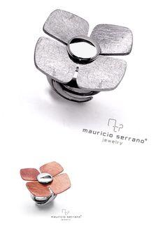 Lucky Charm for Mother's Day!!! 4 Leaf Clover Ring. Make her Shine... Trébol de la suerte para que Brille mama este 10 de Mayo!! #UnaVerdaderaJoya