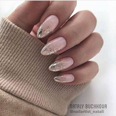 Extend fashion to your nails with nail art designs. Worn by fashion-forward stars, these types of nail designs will add immediate charm to your outfit. Stylish Nails, Trendy Nails, Acrylic Nail Designs, Acrylic Nails, Art Nails, Nails 2018, Wedding Nails Design, Foil Nails, Nails With Foil