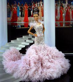 Miss New York 2011 - El Empire State envía esta diva decadente de alta costura en un vestido de noche inspirados por el diseño de Marchesa 2011