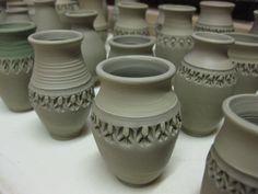 texture texture texture Ceramic Texture, Pottery Ideas, Miniatures, Carving, Clay, Vase, Ceramics, Pottery Vase, Vases