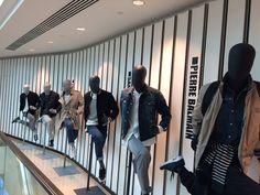 Harrods London - mannequin Runaway collection - Cofrad Mannequins  #repetition #cofradmannequins