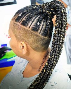 20 Trendy Ways to Wear Braids with Shaved Sides 20 Superb Braids with Shaved Sides Worth Copying Oval Face Hairstyles, Sporty Hairstyles, Box Braids Hairstyles, Older Women Hairstyles, Trending Hairstyles, Cool Hairstyles, Shaved Hairstyles, Undercut Hairstyles, Shaved Hair Women